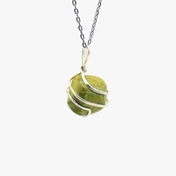 Buy Peridot pendants tumbled wholesale