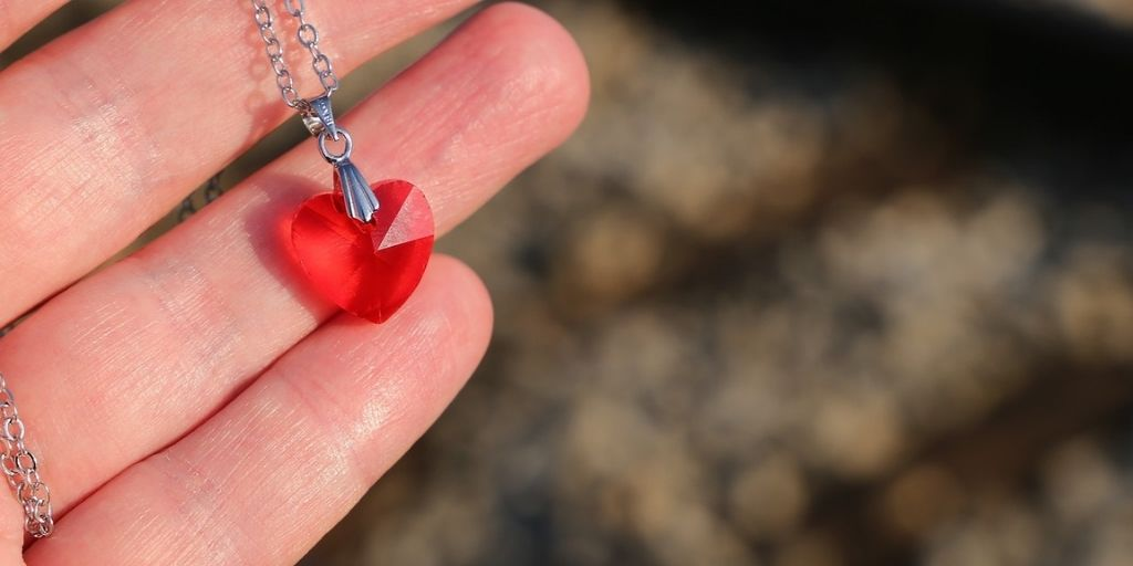Best Heart Chakra Crystals For Love & Emotional